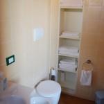 camera mansardata interno bagno